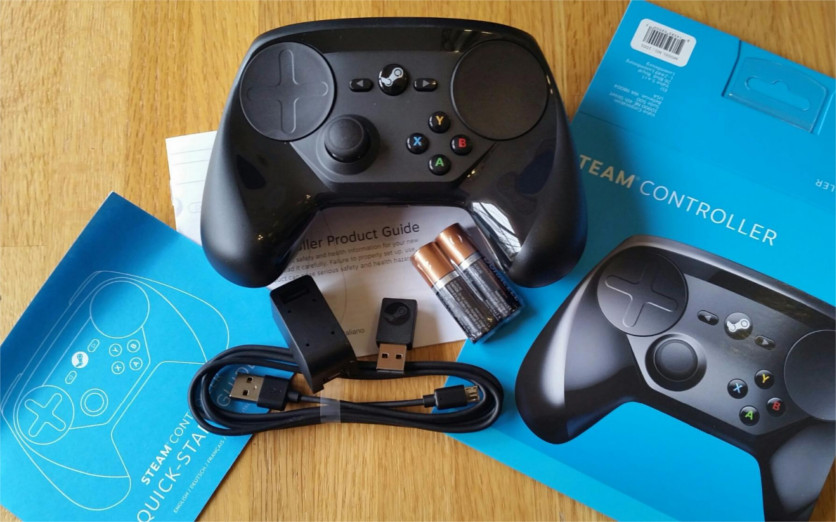 Steam controller box content
